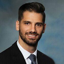 Chiropractor Waukee IA Dr. Gareth Lourens